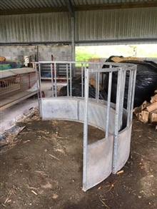 Cattle Ring Feeder